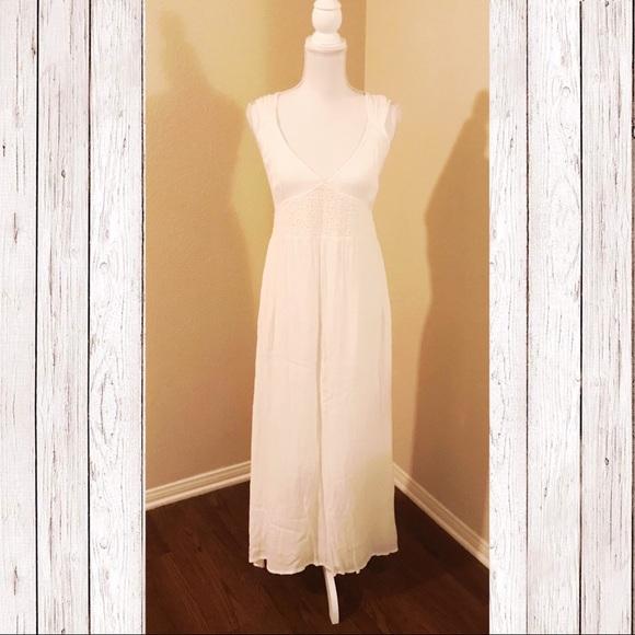 Dresses & Skirts - White Maxi Low V Neck Cut Dress
